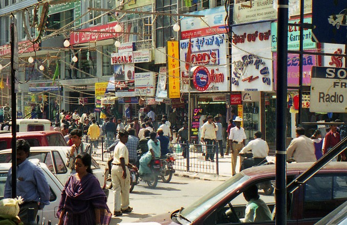 Busy Road in Bangalore. By Ryan, Flickr